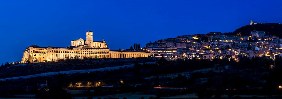 A panoramic image of Assisi, Italy.